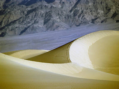 Photograph - Death Valley National Park Stovepipe Wells Dunes 20 by Jeff Brunton