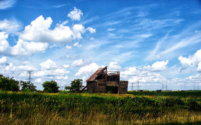 Rural Decay Digital Art - Decaying Illinois Barn by Thomas Woolworth