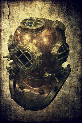 Deep Sea Diving Helmet Art Print by Daniel Hagerman