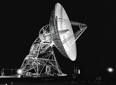 Deep Space Tracking Station Art Print by Underwood Archives