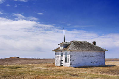 Old School House Photograph - Defunct One Room Country School Building by Donald  Erickson