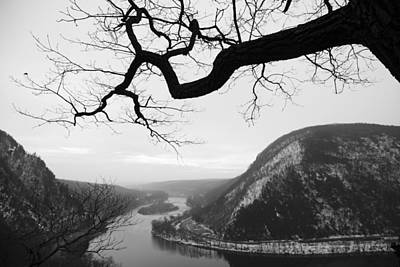 Delaware Water Gap In Winter Art Print