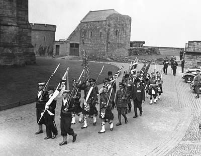 Edinburgh Castle Photograph - Delivering The Old Colours by Underwood Archives