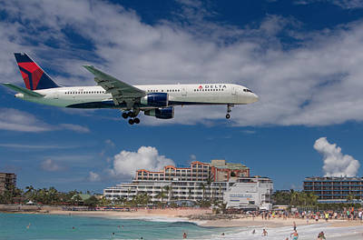 Delta Air Lines Landing At St. Maarten Art Print by David Gleeson