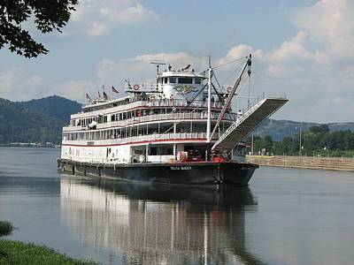 Delta Queen On Ohio River Art Print by Willy  Nelson