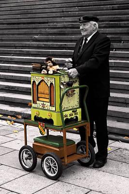 Der Orgelspieler Original by William Fields