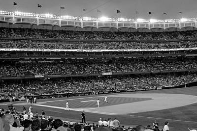 Derek Jeter Leads The Way As The Yankees Take The Field In Black And White Art Print