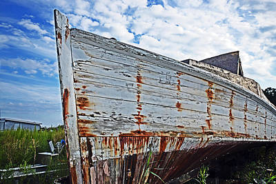 Photograph - Derelict Workboat In Greenbackville by Bill Swartwout