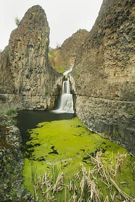 Mccartney Photograph - Desert Waterfall Mccartney Creek by Kevin Schafer