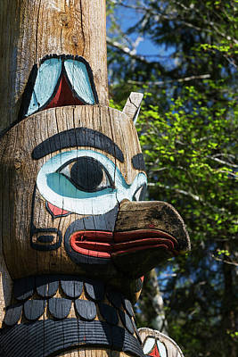 Bight Colors Photograph - Detail Of A Raven Figure Carved by Kevin Smith
