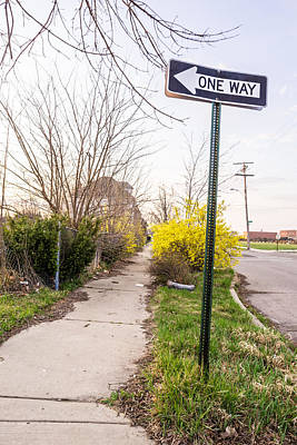 Directional Signage Photograph - Detroit One Way by Priya Ghose