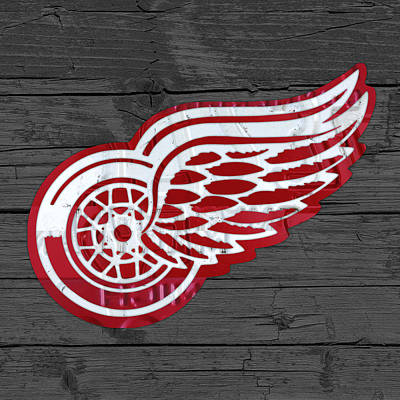 Detroit Red Wings Recycled Vintage Michigan License Plate Fan Art On Distressed Wood Art Print