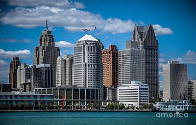Photograph - Detroit Skyline 2 by Ronald Grogan