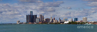 Renaissance Center Photograph - Detroit Skyline by Twenty Two North Photography
