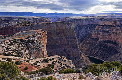 Photograph - Devil's Overlook Bighorn Canyon National Recreation Area by Gary Beeler