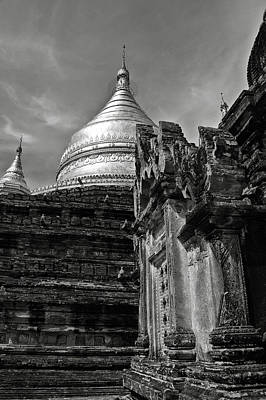 Photograph - Dhammayazika Pagoda by RicardMN Photography