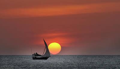 Dhow Photograph - Dhow At Sunset by Ignacio Palacios