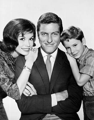 Publicity Shot Photograph - Dick Van Dyke And Mary Tyler Moore 1963 by Mountain Dreams