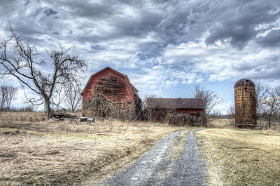 Backroad Photograph - Dilapidated Barn by Donna Doherty
