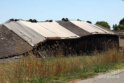 Photograph - Dilapidated Ranch In Petaluma California 5d24408 by Wingsdomain Art and Photography