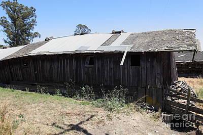 Photograph - Dilapidated Ranch In Petaluma California 5d24413 by Wingsdomain Art and Photography