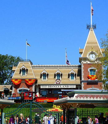 Photograph - Disneyland Train Station by Jeff Lowe