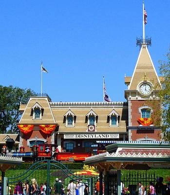 Photograph - Disneyland Train Station by Jeff Lowe