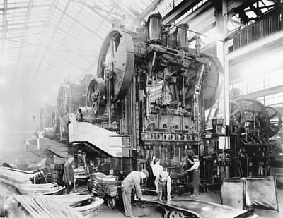Dodge Brothers Automobile Factory, 1915 Art Print by Science Photo Library