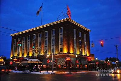 Clare Michigan Photograph - Doherty Hotel At Christmas by Terri Gostola