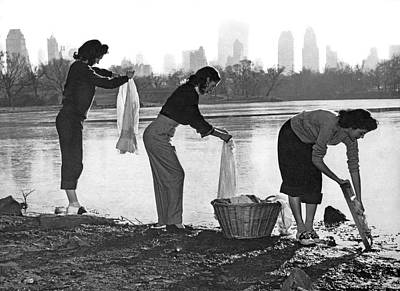 Doing Laundry In Central Park Print by Underwood Archives