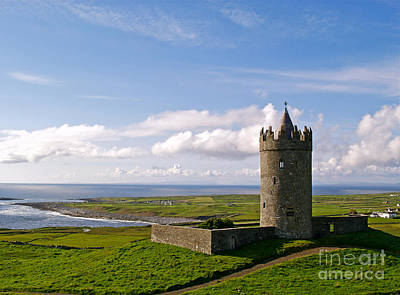 Doonagore Tower Photograph - Doonagore Castle by Alex Cassels