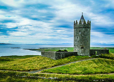 Photograph - Doonagore Castle In Ireland's County Clare by James Truett