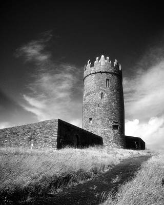 Doonagore Tower Photograph - Doonagore Castle by Mark Callanan