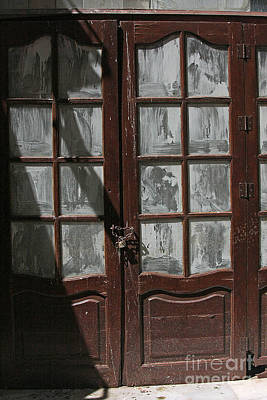 Photograph - Door # 32 by Tom Griffithe