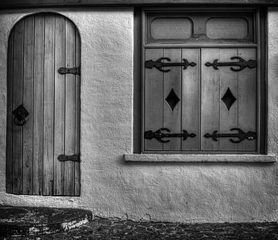 Photograph - Door In Alley by Greg and Chrystal Mimbs