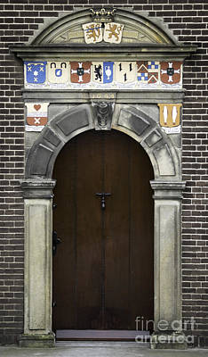 Tlk Designs Photograph - Door In Kinderdijk by Teresa Mucha