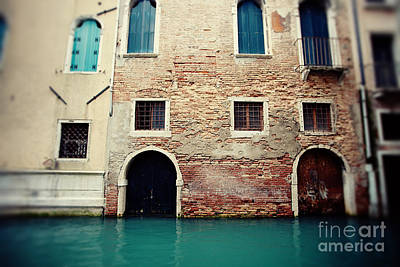 Venice Italy Photograph - Doors And Windows by Erin Johnson