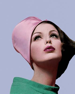 Dorothea Mcgowan In A Cloche Art Print by Bert Stern