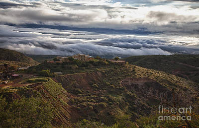 Photograph - Douglas Mansion With A Sea Of Clouds by Ron Chilston