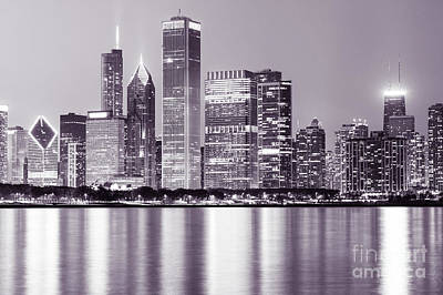 Chicago Loop Photograph - Downtown Chicago City Skyline At Night   by Paul Velgos