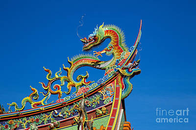 Taipei Photograph - Dragon Statue On Traditional Taoist Temple In Taiwan by Fototrav Print