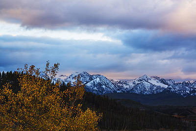 Sawtooth Mountain Art Photograph - Dramatic And Beautiful Sawtooth Autumn Sunset by Vishwanath Bhat