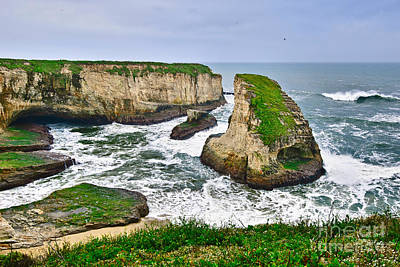 Ocean Vista Photograph - Dramatic View Of Shark Fin Cove In Santa Cruz California. by Jamie Pham
