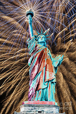 Photograph - Dreaming Of Liberty Fireworks by Steve Purnell