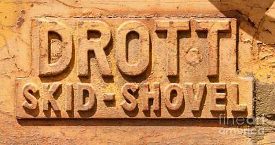 Photograph - Drott Skid Shovel by Les Palenik