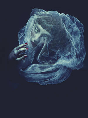 Silk Photograph - Drowning by Antonella Renzulli