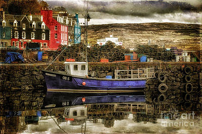 Cabin Window Digital Art - Tobermory Isle Of Mull by Lois Bryan