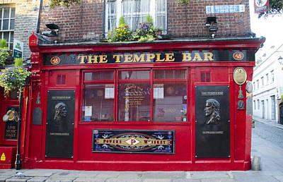 Temple Bar Digital Art - Dublin Ireland - The Temple Bar by Bill Cannon
