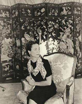 Duchess Of Windsor In Short-sleeved Dress Art Print by Horst P. Horst