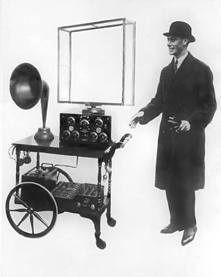 King George Photograph - Duke & Duchess Portable Radio by Underwood Archives